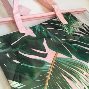 🏝NWT Clear Beach Tote and Palm Clutch Insert